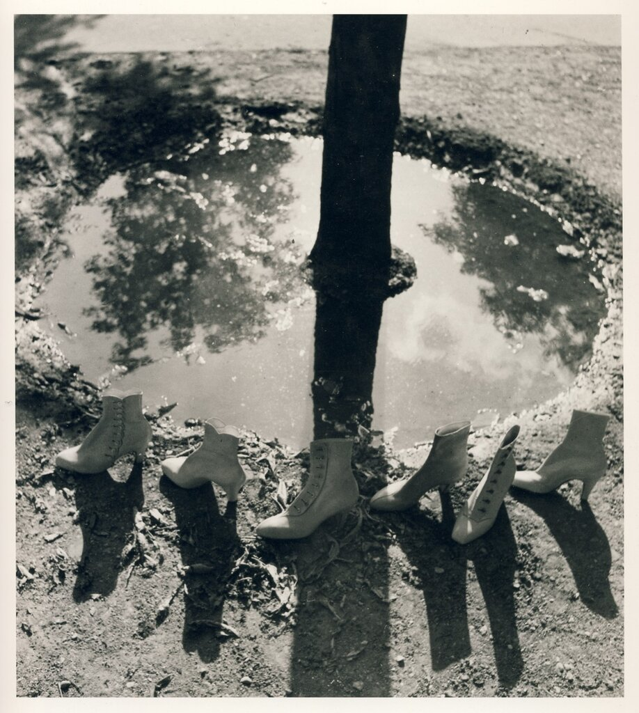 Regina Relang: Shoes Walk around a Tree, Paris, 1936