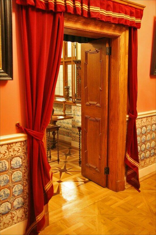 Зимний дворец Петра I, Дверь из Столовой в Токарню