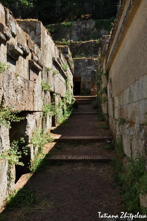этрусский некрополь - дорога мертвых