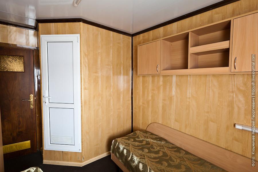 Двухместная одноярусная каюта с удобствами №227 на средней палубе теплоход Кулибин фото