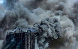 В Баку горит 16-этажное здание – 15 человек погибло
