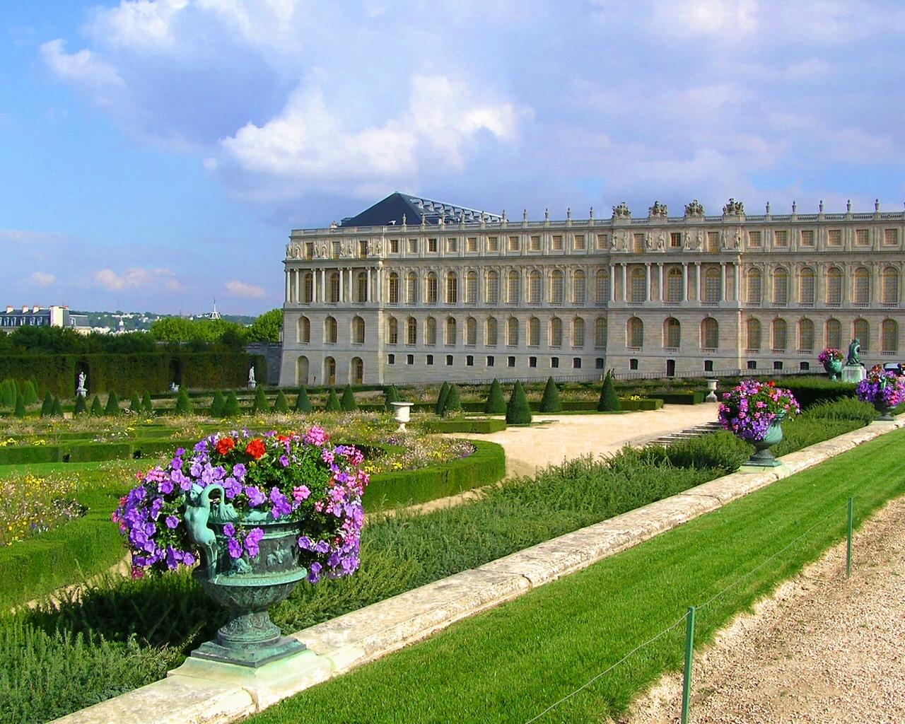 Дворец версаль  № 1743600 бесплатно