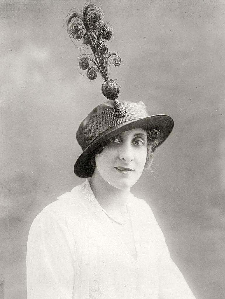 0 6f5a5 b1ab301 orig Женские шляпки 1913   1915 годов