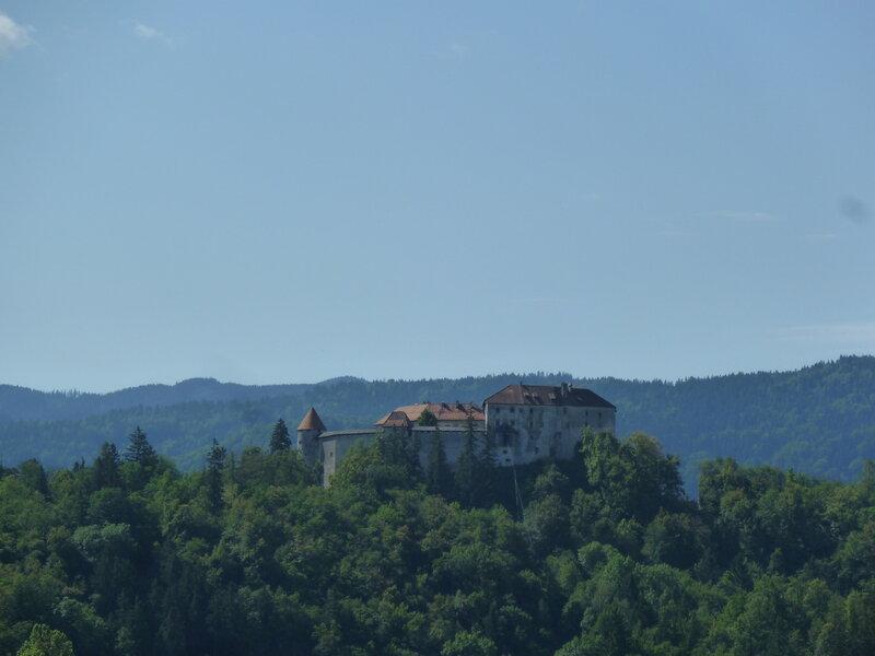 Замок - вид сзади