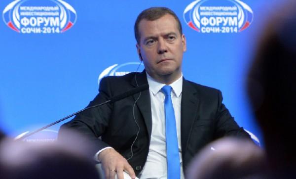 РФ расширит список стран, попадающих под санкции— Медведев