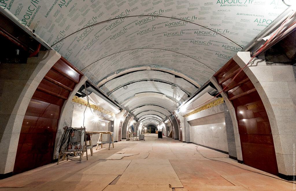 Бухарестская станция метро спб