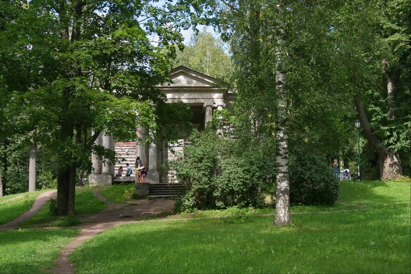 """Гатчинский парк, Портал """"Маска"""" и Березовый домик"""