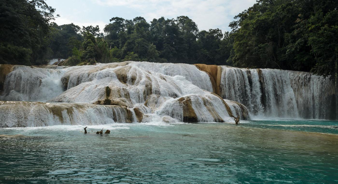 Фото 1. Водопад Агуа-Асуль в штате Чьяпас. Отчеты туристов о поездке по Мексике на машине. Все снимки получены на зеркальную камеру для любителей модели Nikon D5100 KIT 18-55.