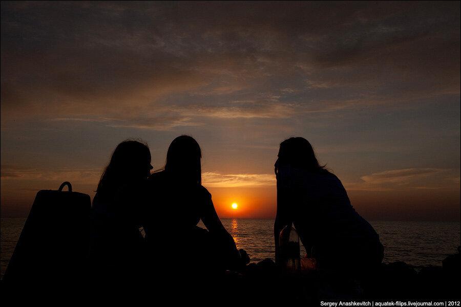 Три девчонки