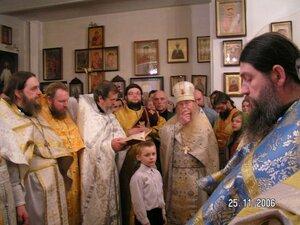 Молебен свт. Иоанну Милостивому, в честь которого и назван, возглавляет сам именинник - о. Иоанн Миронов