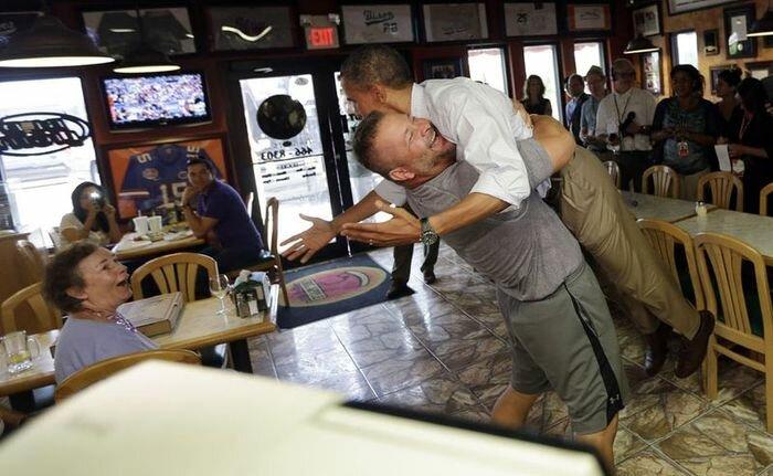 Обнимашки с президентом