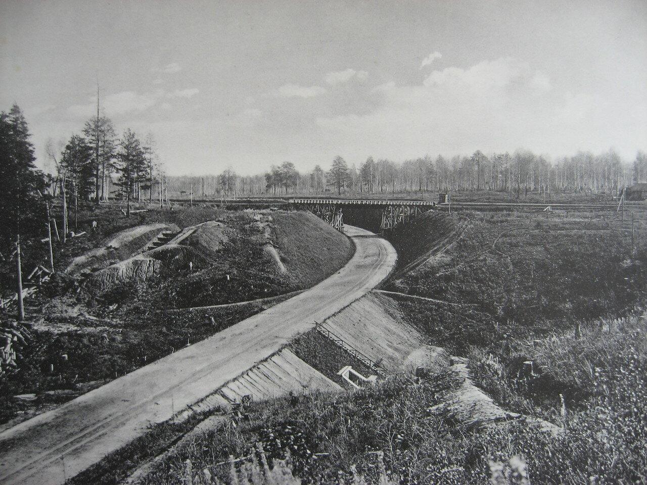 16.2398 верста. Общий вид на выемку и временный путепровод. Строительный период 1910
