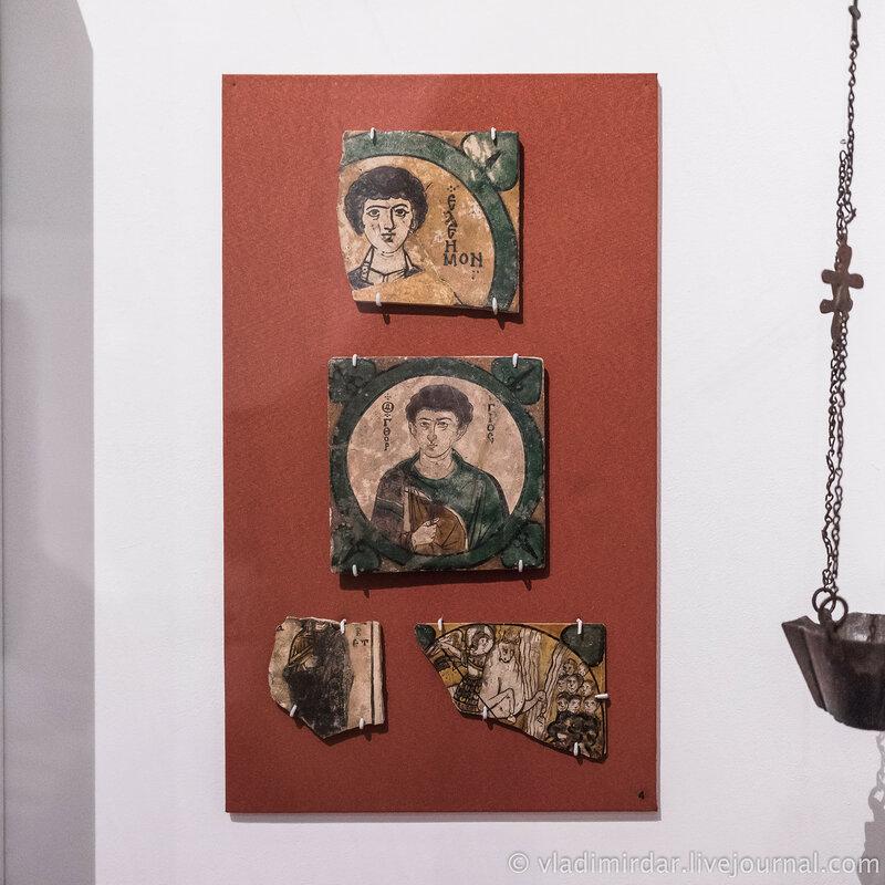 Иконы Святой Георгий, Святой Пантелеймон, Святая Елизавета, Архангел Гавриил. Византия. X-XI вв. Глина, глазурь.