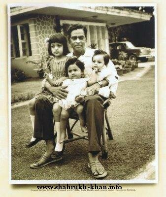 Shahrukh Khan's grandfather, SRK and his sister and cousin