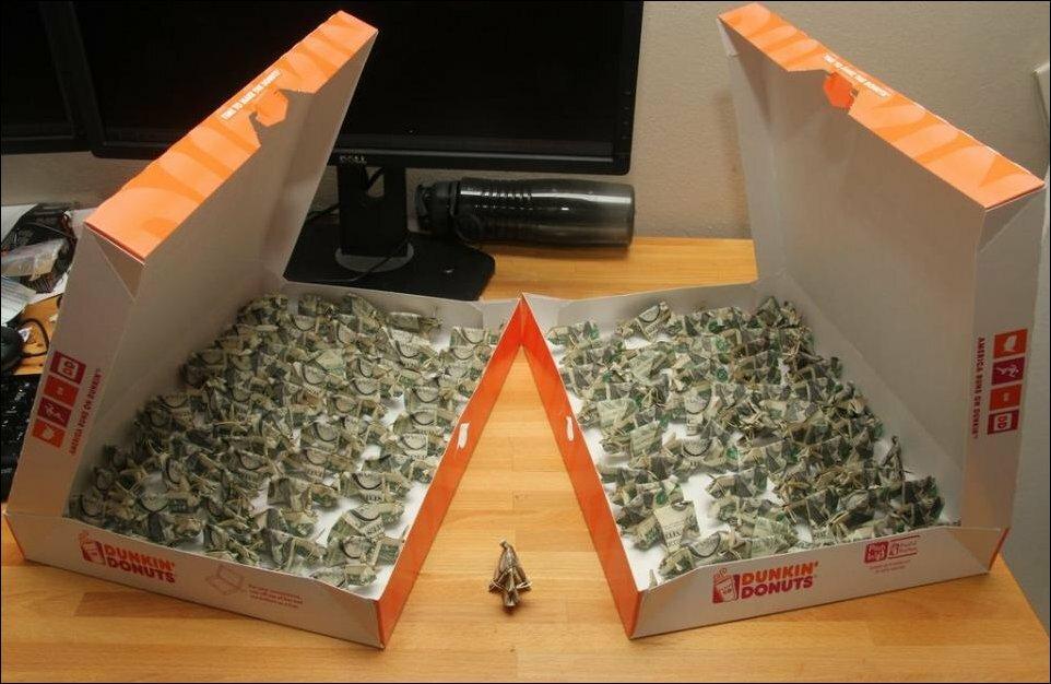 Свинки-оригами в оплату штрафа