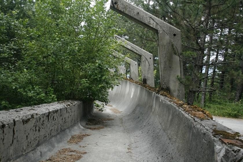 Как сейчас выглядит бобслейная трасса в Сараево после Олимпиады 84 0 141aa3 f76e40fd orig