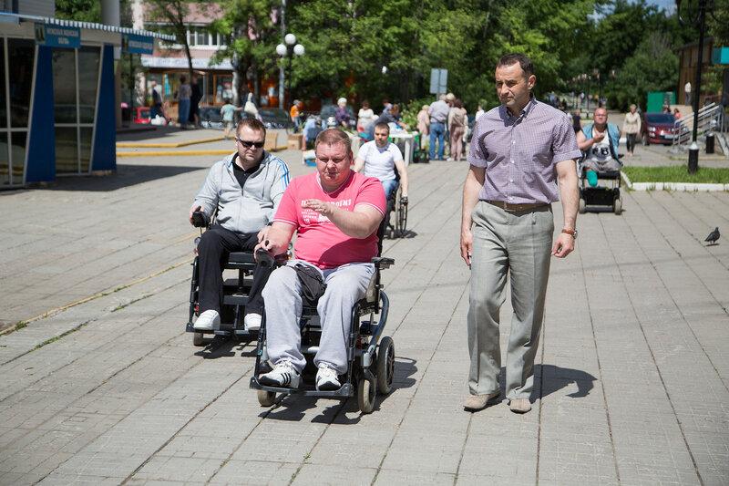Встреча Главы Краснознаменска Михаила Сапунова с инвалидами - колясочниками.
