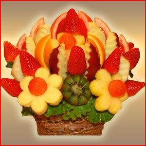 Букет из фруктов для Дня разноцветных букетов