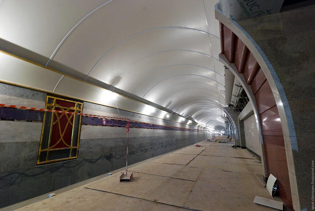 Бухарестская станция метро петербург