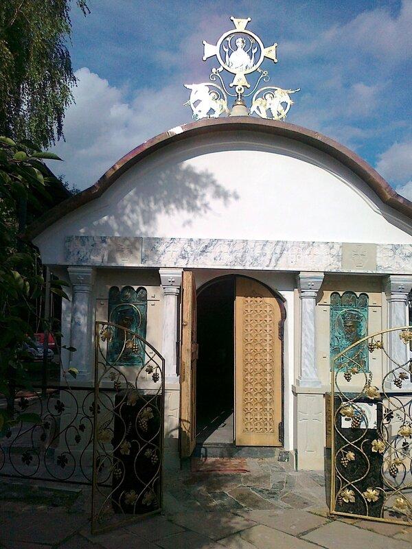 Вход в Десятинный монастырь