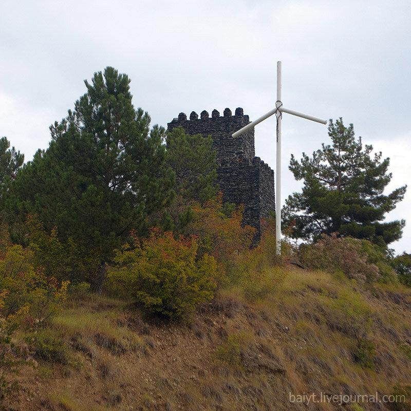Старая крепость по дороге из Тбилиси в Сигнаги