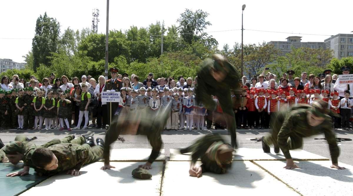Между правдой и ложью: Про Парад детских войск в Ростове-на-Дону (23)