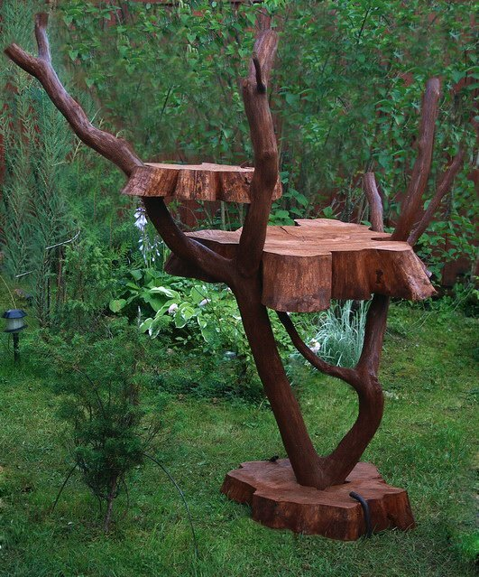 Поделки из дерева в сад