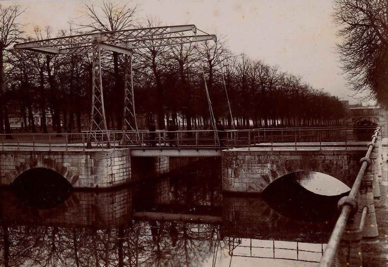 Лилль. Мост через канал