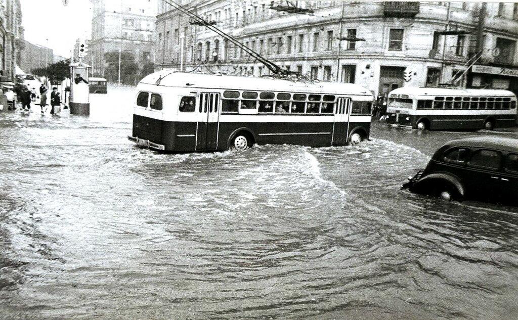 1949, Москва, Неглинная улица.jpg