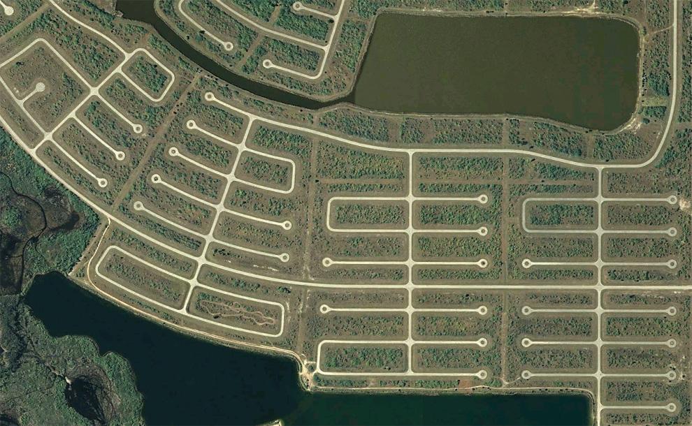 9. Тупики в южном районе Ротонда Вэст в Шарлотт Каунти. (© Google)
