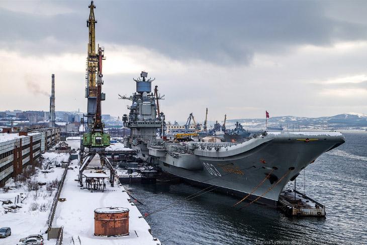 Будущий флагман Северного флота ВМФ России был спущен на воду 4 декабря 1985 года. 8 июня 1989 г.