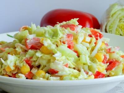 Крабовый салат с кукурузой и капустой
