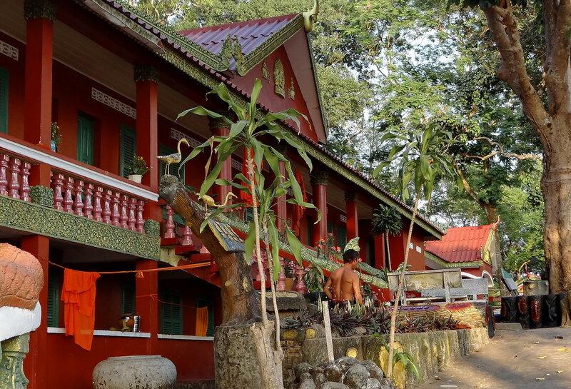 """""""Бытовка"""" в монастыре Leu Wat, г. Сиануквиль"""