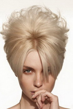 Креативная стрижка на короткие волосы