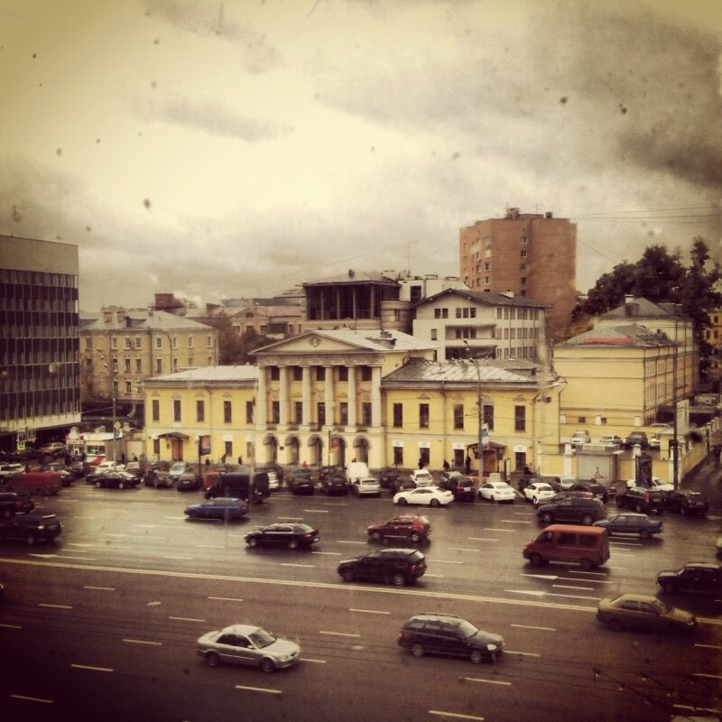 Дождь. Зубовский бульвар