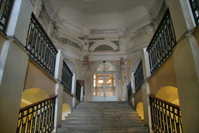 Гатчинский дворец, Мраморная лестница