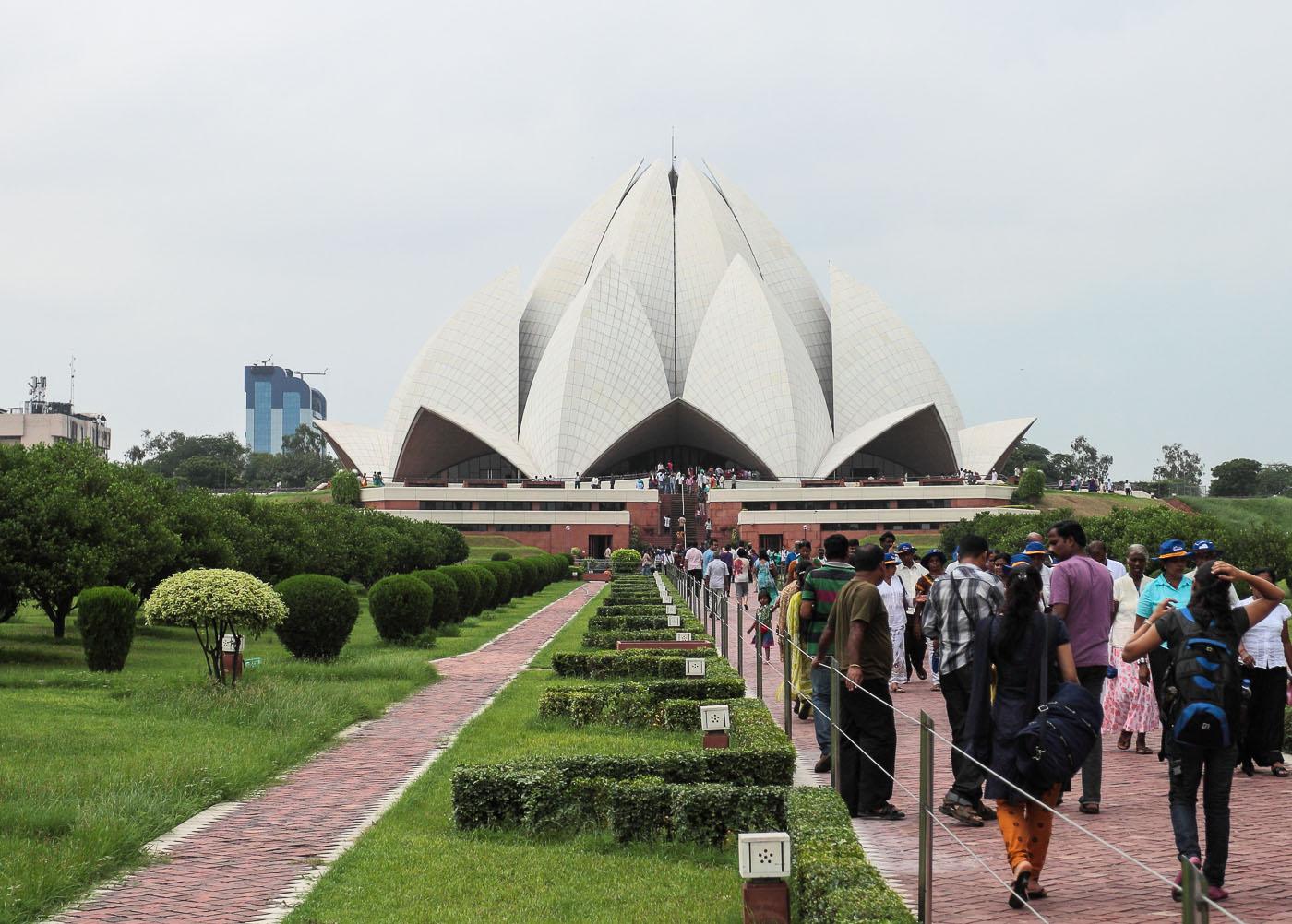 Фото 21. Храм Лотоса (The Lotus Temple) в Нью-Дели. Поездка в Индию
