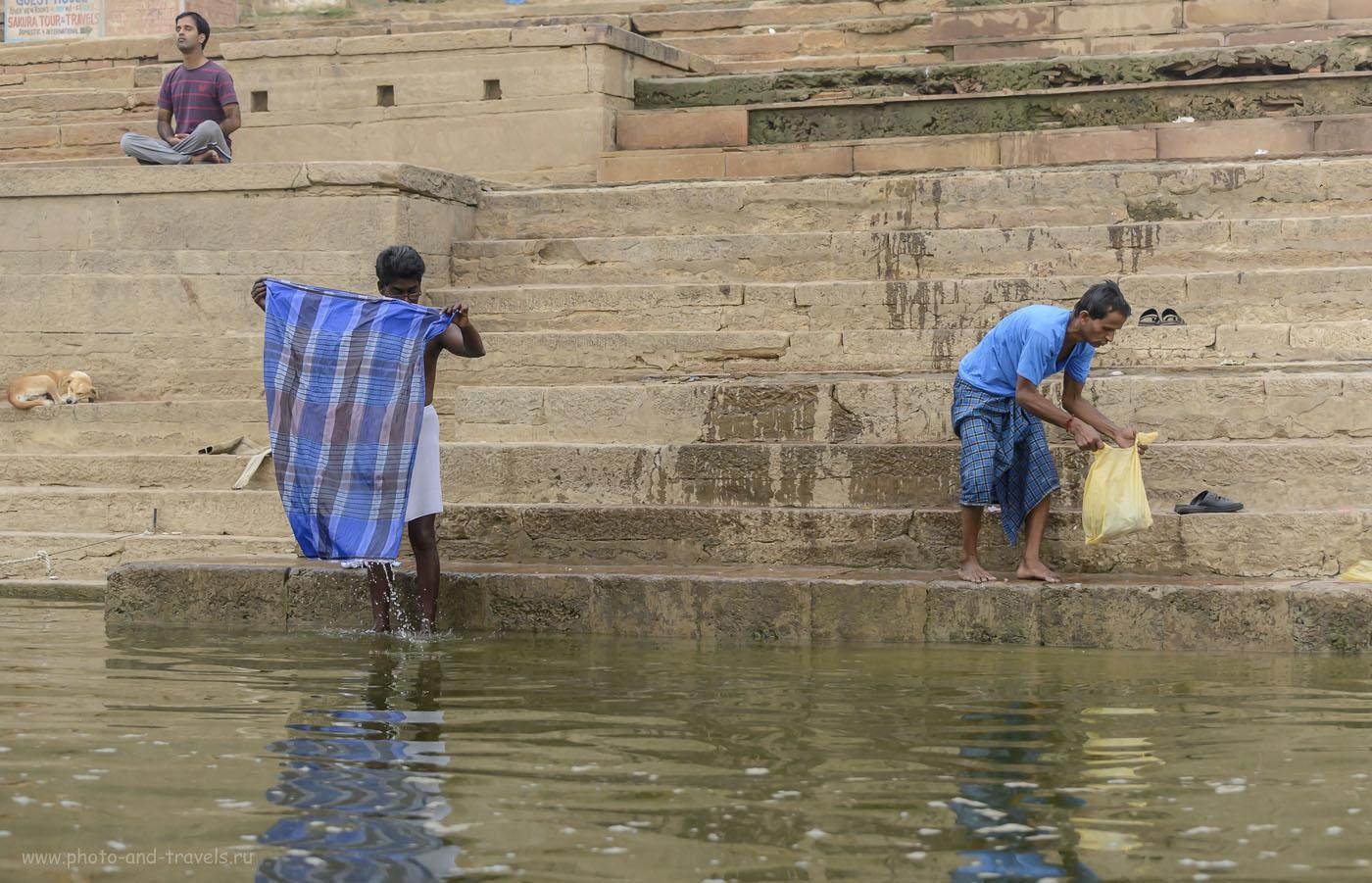 Фотография 22. Купание и стирка на гхатах в Варанаси. Отзыв о самостоятельном туре в Индию. 1/400, 4.5, 1250, 70.