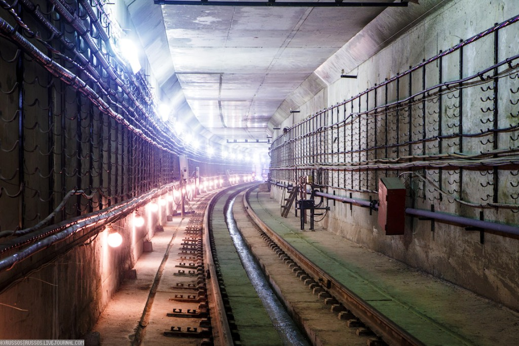 prostitutka-lera-metro-moskovskaya-piter