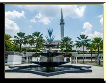 Малайзия. Куала-Лумпур. Masjid Negara - national mosque in Malaysia, Kuala Lumpur, Фото Segmed87 - Depositphotos