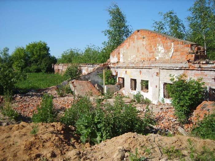 село Перхушково, развалины птицефермы у села Перхушково