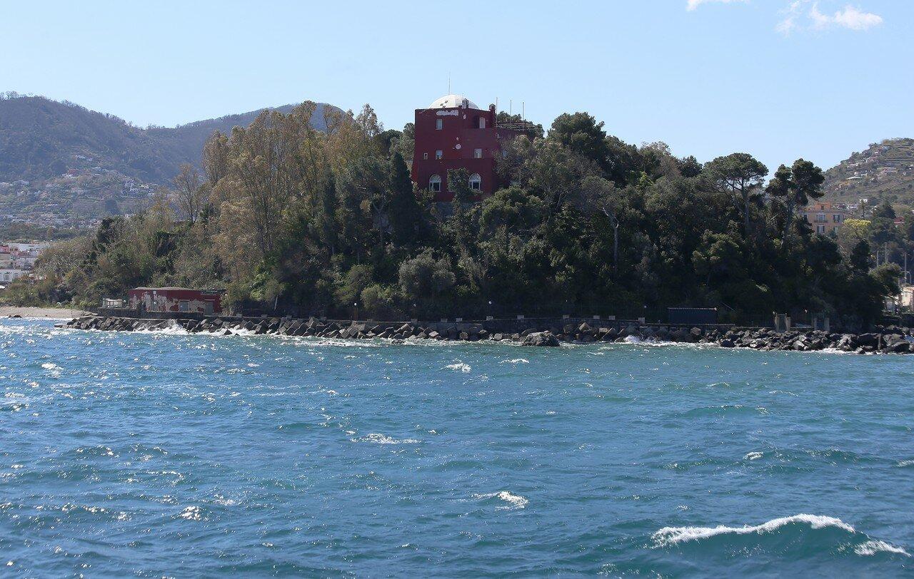 У берегов острова Искья