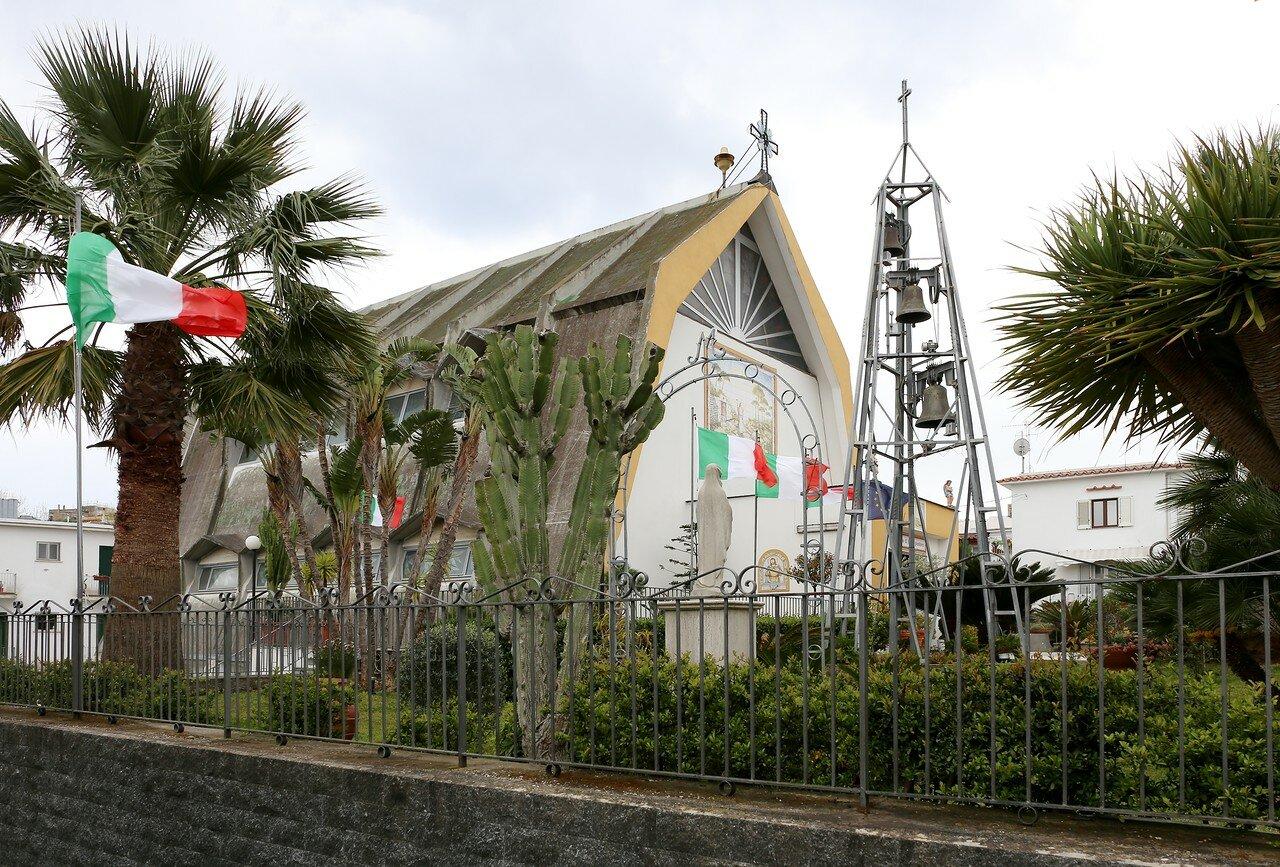 Искья-Порто. Церковь Доброго Пастыря Иисуса (Chiesa Gesù Buon Pastore)