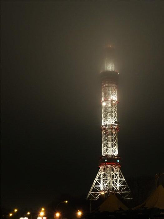 киевская телевышка, туман