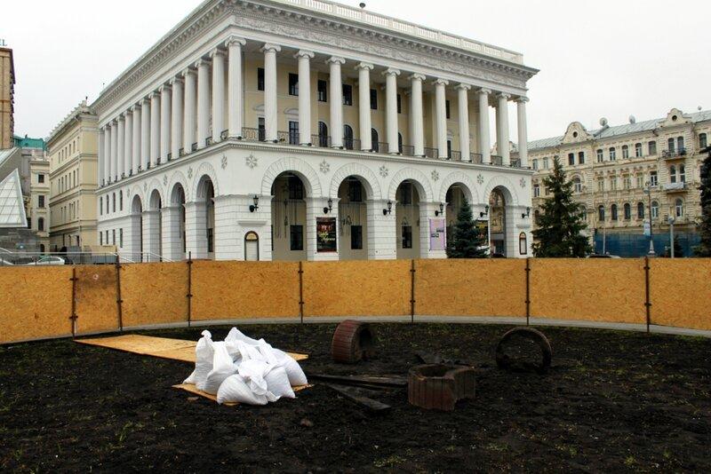 Монтажная зона главной елки Киева