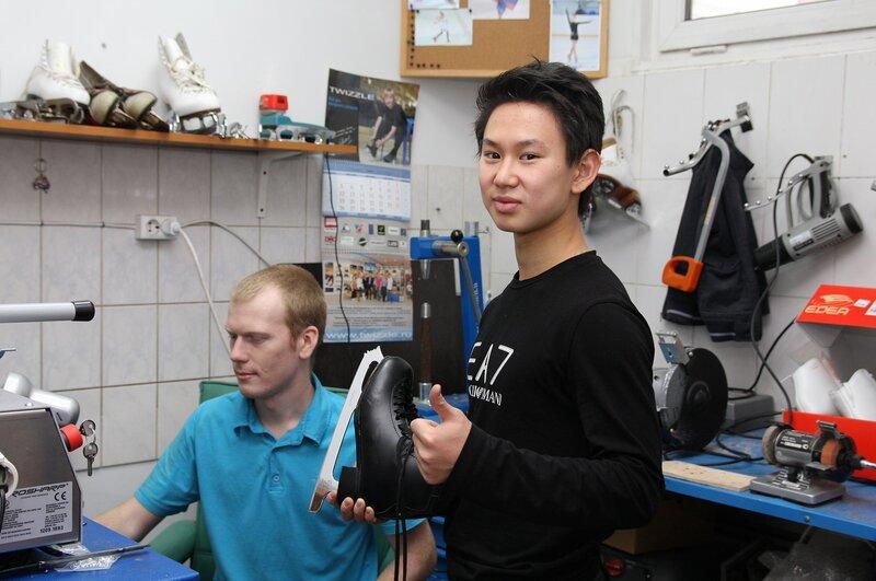 Денис Тен - казахстанский фигурист, выступающий в одиночном разряде, экипируется в компании Twizzle!