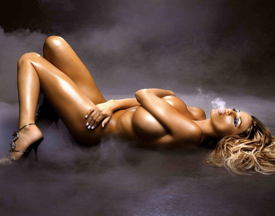 smoking Katie Price / Кэти Прайс с сигаретой