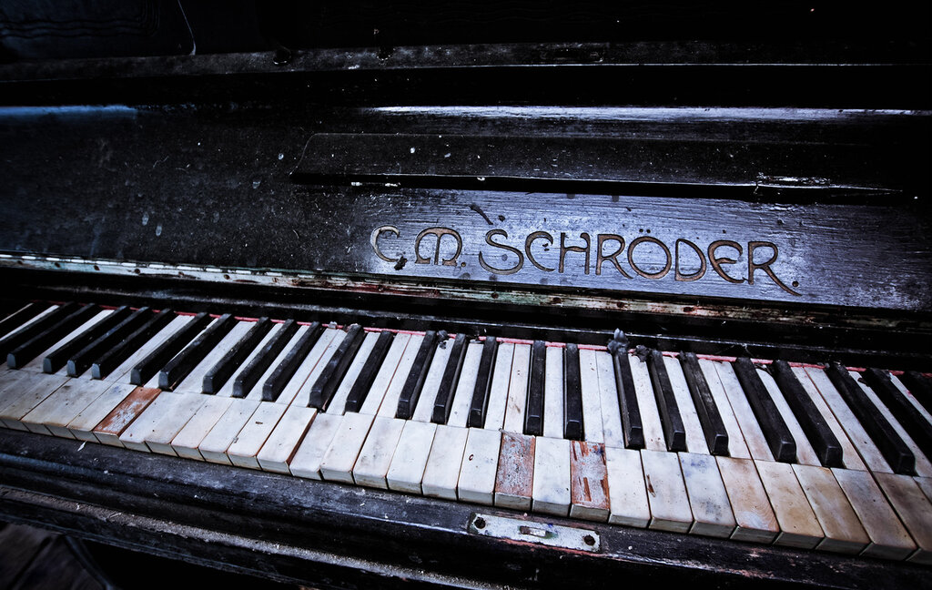 The old reader for Classic house piano
