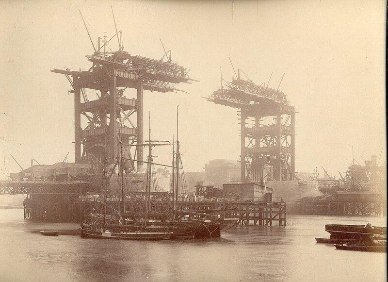 Как строился Тауэрский мост? 0_c42b5_2a593ff7_XL