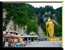 Малайзия. Куала-Лумпур. Пещеры Бату (Batu Caves). Фото Postnikov - Depositphotos